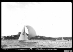 18-footer BEVERLEY TOO on Sydney Harbour during the 1951 World's 18-footers Championship