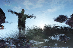 Seaweed I (Zoe Sarjant) Tags: distortion seaweed reflection beach water pool rock seaside father figure refraction