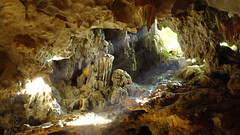 Ha long Bay Cave (arka76) Tags: world travel summer nature bay asia southeastasia paradise travellers vietnam adventure caves exotic cave lonelyplanet backpacker halong halongbay 1000views cuevas backpackers globetrotter viajeros mochileros monzon sudeste 2000views 5000views asiatico 3000views 100faves trotamundos 50faves 4000views 2013 50favs 125faves 100comments sudesteasiatico 75faves exocticplaces