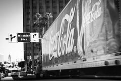 COLA TRUCK (skech82) Tags: street bw usa white man black america truck losangeles strada unitedstates streetphotography uomo camion cocacola bianco nero statiuniti mezzoditrasporto d3000 fotodistrada skech82 treasporto