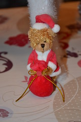 Santa Bear (Girly Toys) Tags: décoration de noël christmas decoration suspension hanging guirlande garland boule ball personnage characters figurine figure sapin fir lumineuse tree bright light collection père santa claus bear ours missliliedolly miss lilie dolly aurelmistinguette girly toys collectible girlytoys
