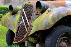 Voiture Ecologique... (CitroenAZU) Tags: rust decay citroen traction rost avant roest rouille 11cv
