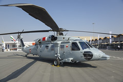 Sikorsky UH-60M Black Hawk (Boushh_TFA) Tags: black bahrain nikon force hawk air royal airshow international nikkor base f4 vr bahraini sikorsky 2014 sakhir uh60 d600 24120mm  966   rbaf  uh60m obkh