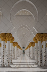 Sheikh Zayed Grand Mosque - Abu Dhabi (Pierluigi Mozzano) Tags: grand mosque zayed abu dhabi sheikh