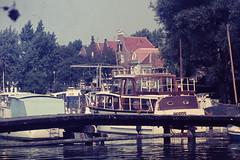 SPAARNDAM (NL) 1970 (streamer020nl) Tags: bridge holland haarlem boot boat ship slide dia scan 1970 nl brug brcke schiff heros spaarndam ophaalbrug 300870