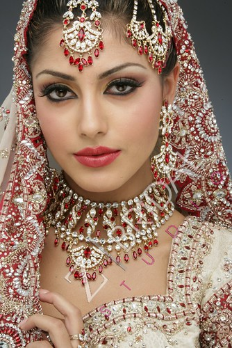 "Z Bridal Makeup 44 • <a style=""font-size:0.8em;"" href=""http://www.flickr.com/photos/94861042@N06/13904209945/"" target=""_blank"">View on Flickr</a>"