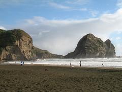 055 - Lagon de la plage de Piha