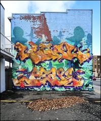 Papineau Legal Peace BTH Octobre 2016 DSR5670 (photofil) Tags: photofil graffiti streetart urbanart urban montreal montréal legal peace bth