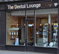 The Dental Lounge - London (Monceau) Tags: storefront dentallounge
