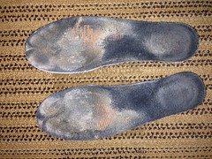 IMG_1539 (sockless_ca) Tags: nike sweaty barefoot smelly sb stinky nosocks sockless insoles footbeds withoutsocks