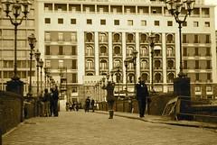 Sul ponte di Castel dell'Ovo, Napoli (Flying Mind **) Tags: street old city people italy town strada italia gente centre lifestyle ponte persone napoli naples citt