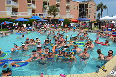 2013 rits sat pool party (17)