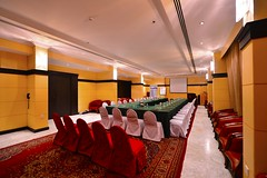 an Ideal Seminar Room (Seteen Palace Hotel) Tags: old man fruits carpet desert kingdom arabic arab saudi arabia toyota arabian bedouin ksa badu bedu saudiarabien   arabie saudita suudi  arabistan lafforgue     saoudite  saoediarabi    saudyjska