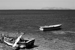 (sandpipers81) Tags: bw nikon mare barche sicily sicilia biancoenero d40 nikond40