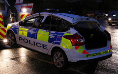 Hampshire Police Targeted Patrol Team Ford Focus Response Vehicle 5016 - HX62 GVM (IOW 999 Pics) Tags: road uk blue roof light cars ford car fire lights focus traffic cut united 4 police kingdom hampshire off dash service isle siren wight collision response involved rtc fend in lightbar offs constabulary 5016 hx62gvm