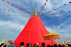 Red cloth to wrap, pagodas : Phu Khao Thong - ภูเขาทอง (The Golden Mount Bangkok)