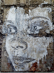 Vhils (HBA_JIJO) Tags: portrait urban sculpture streetart paris building artist vhils alexandrefarto hbajijo