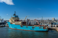 Maersk Lifter @ Duthies (SPMac) Tags: up scotland boat support ship harbour crane offshore quay gas chain mob aberdeen anchor oil l service tug handler lifter supply maersk ahts duthies