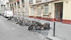 2015-06-15 Paris - Motos incendies ainsi que la faade de l'immeuble - 66 rue de l'aqueduc (P.K. - Paris) Tags: paris france june fire juin voiture moto violence incendie 2015 inscurit criminel