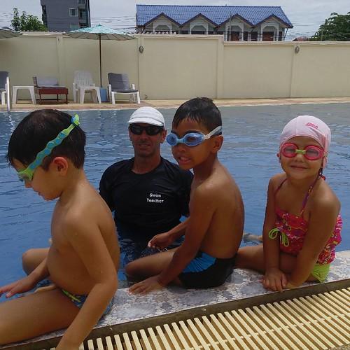 Swimming lessons by Australian  teacher Matt. Swimming school Hua Hin. #www.swimhuahin.com