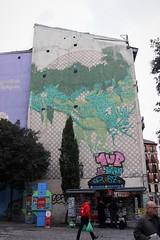 Madrid_0328 (Joanbrebo) Tags: pintadas murales murals grafitis streetart madrid españa spain streetscenes street carrers calles canoneos80d eosd autofocus gent gente people peopleandpaths efs1855mmf3556isstm