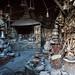Muitos artesãos trabalham com o cobre