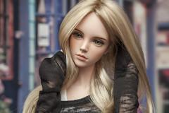 f1 (annaoks) Tags: monique wig paris peach gold new yur yid iplehouse eid