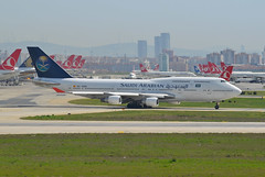 Saudi Arabian Airlines (Pullmantur) Boeing 747-4H6 EC-KXN (EK056) Tags: airport istanbul saudi boeing arabian airlines atatrk pullmantur 7474h6 eckxn