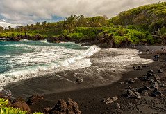 Maui Black Sand Beach (mojo2u) Tags: beach hawaii maui hana waianapanapastatepark blacksandbeach nikond700 maui2470mm