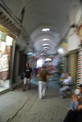 Camminando attraverso i souk (cla.iacono) Tags: africa arte tunisia souk sorriso claudio artista tunisi gioielli tunisino camminando iacono claiacono