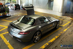 Gullwing! (Gustavo Campos - Onehunterr) Tags: brazil brasil canon eos mercedes benz doors open paulo so sls amg gullwing opened explored 60d