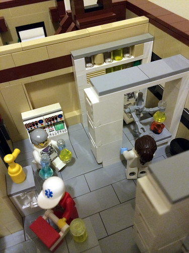 Lab - Modular Lego Hospital / Outpatient Facility