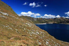 Blick zum Lago del Nart (uwelino) Tags: blue alps del clouds lago schweiz switzerland tessin ticino europa europe swiss adventure alpen bergsee wandern gotthard spectacularlandscape naret swisstravel swisstravelspectacular