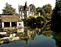 Moret sur Loing (Grant Eyre) Tags: bridge light shadow sky france building water skyline architecture buildings reflections garden painting landscape europe waves shadows stonework bridges textures shade iledefrance oldbuilding panaroma moretsurloing vision:sky=0588 vision:outdoor=0914