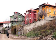 DSC04328 (ebruzenesen - esengül) Tags: old turkey türkiye türkei ev ankara turquia eski yeşil kırmızı ulus taş turkuaz hamamı hamamönü eskievler oldhause şengül ebruzenesen esengülinalpulat