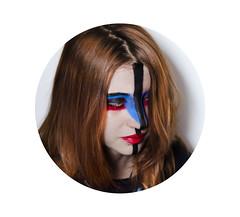 (wolf in paris ) Tags: blue red eye girl fashion azul circle rouge rojo shiny paint chica retrato portait femme moda tribal peinture lipstick ethnic mode fille pintura circulo brillante bleue cercle etnico pintalabios rougelevres