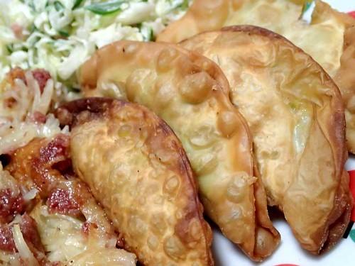 アボカドカマンベールチーズの揚餃子