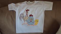 Camiseta (Pontos de Amor by Jssica) Tags: galinha da turma aula aplique ptch pintadinha