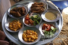(alala ) (alalaelectronia) Tags: africa travel food fish tourism horizontal table cuisine potatoes sand dish african sandy sudan plate meal destination plates ful nubia attraction touristic nubian abri sudanese flickrandroidapp:filter=none