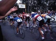 1982 World Cycling Champ034 (Tim Callaghan) Tags: cycling jones 1982 bikes flags kelly 35mmslides roads crowds goodwood lemond saroni worldroadracechampionships