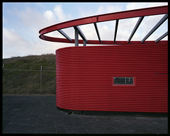 corrugated red (ha*voc) Tags: 120 film architecture mediumformat rangefinder racing 6x7 expired zandvoort 65mm fujinpc160 mamiya7ii