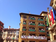 San Fermin Balcón Chupinazo Ayuntamiento Pamplona05 (Destino Navarra) Tags: pamplona ayuntamiento sanfermin chupinazo balcón