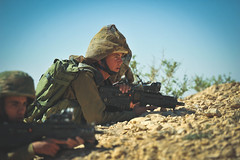 Givati Intense Training Week (Israel Defense Forces) Tags: blue sky training soldier army israel desert exercise military weapon soldiers israeli weapons idf firearms israeliarmy tavor givati israeldefenseforces