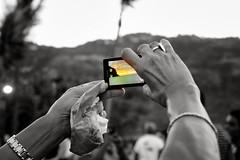 (Miwok.) Tags: bw hands phone 2014 selectedcolor barachois lareunionisland sonynex3 sel1855 vision:mountain=0579 vision:outdoor=0945 dsc031431403