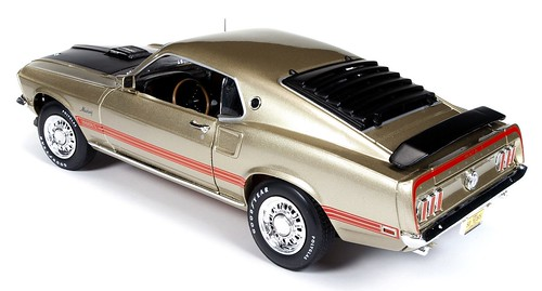 AutoWorld American Muscle Mustang Mach1 1969 (1)