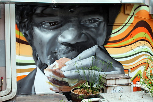 Charleston: Big Gun Burger Shop & Bar - Pulp Fiction mural