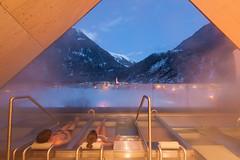 spa 3.000 - lngenfelder badl'n mit blick auf lngenfeld (aqua-dome) Tags: hotel tirol sterreich spa 3000 wellness therme oetztal aquadome lngenfeld tztaleralpen