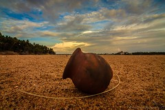 A sad empty pot ... (£$þ) Tags: editorial tamilnadu nowater dryriver tiruchirapalli kaveririver emptypot lsp13photography sadstateofperennialriver interlinkingindianrivers