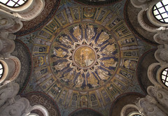 Ceiling of the Neon Baptistery of Ravenna (Lawrence OP) Tags: neon christ jesus mosaics wideangle baptism orthodox apostles ravenna baptistery battisteroneoniano