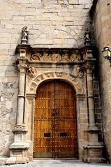 Portada de San Mateo (vcastelo) Tags: espaa spain puerta san vieja ciudad antigua mateo cceres portada monumental extremadura